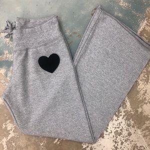 Pants - Heart appliqué wide leg Sweatpants